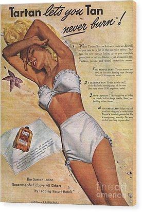 1940s Usa Tartan Suntans Sunbathing Wood Print by The Advertising Archives