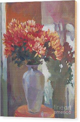 Chrysanthemums In Vase Wood Print by David Lloyd Glover