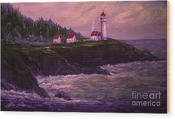Heceta Head Lighthouse At Dawn's Early Light Wood Print