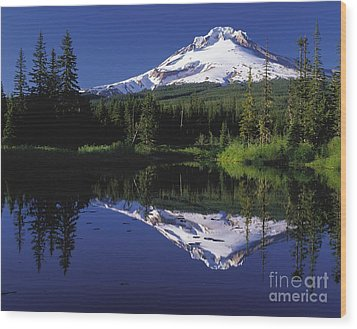 Wood Print featuring the photograph  Mount Hood Oregon  by Paul Fearn