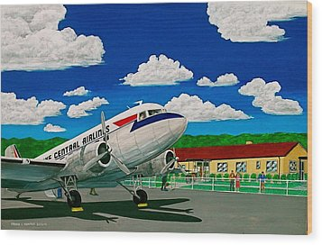 Portsmouth Ohio Airport And Lake Central Airlines Wood Print by Frank Hunter