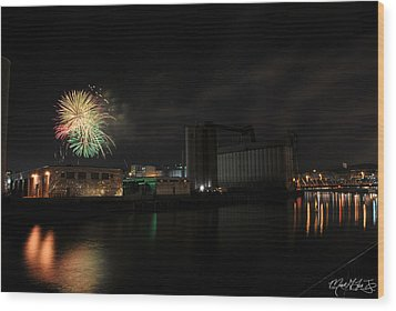 005 ...the Bombs Bursting In Air...4jul13 Series Wood Print by Michael Frank Jr
