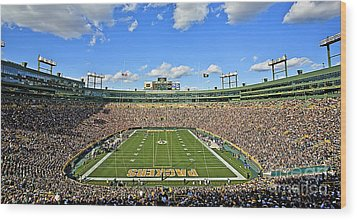 0539 Lambeau Field Wood Print