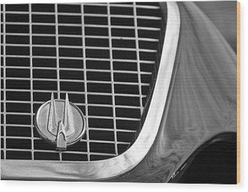 1960 Studebaker Hawk Grille Emblem Wood Print by Jill Reger
