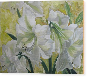 Amaryllis With Yellow Wood Print by Alfred Ng