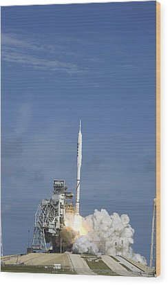 Ares I-x Test Rocket Launch Wood Print by Science Photo Library