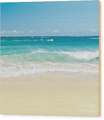 Wood Print featuring the photograph Beach Love by Sharon Mau