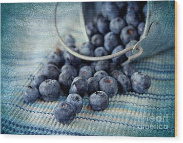 Blueberries Wood Print by Darren Fisher