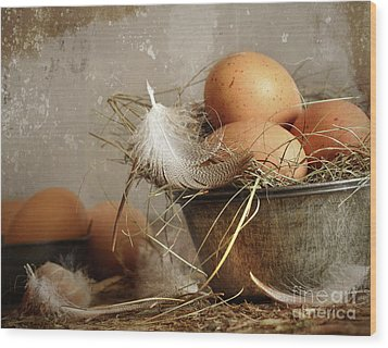 Brown Speckled Eggs  In Old Tin Bowl Wood Print by Sandra Cunningham
