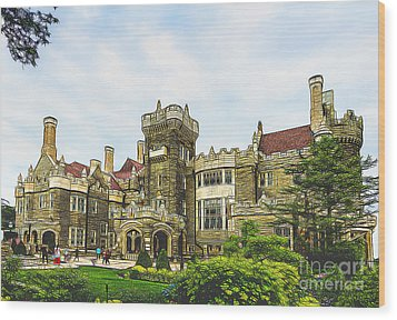 Casa Loma In Toronto Wood Print by Les Palenik
