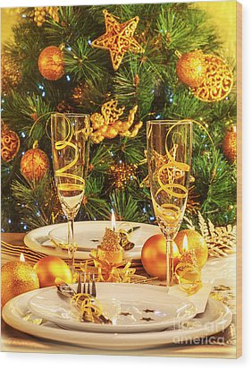 Christmas Dinner In Restaurant Wood Print by Anna Om