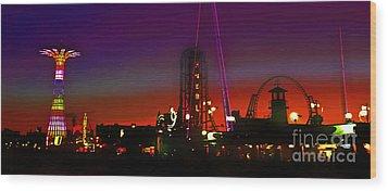 Coney Island Amusement Park And Parachute Jump Wood Print