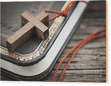 Cross On Bible Wood Print by Elena Elisseeva