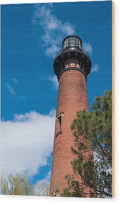 Wood Print featuring the photograph Currituck Beach Lighthouse by Gregg Southard