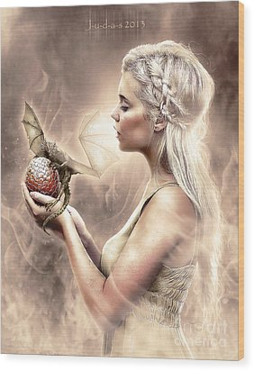 Daenerys Wood Print by Judas Art