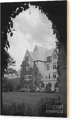 Dominican University Parmer Hall Wood Print by University Icons