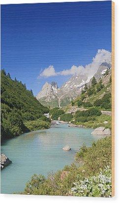 Dora Stream. Veny Valley Wood Print