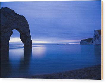 Durdle Door At Dusk Wood Print by Ian Middleton