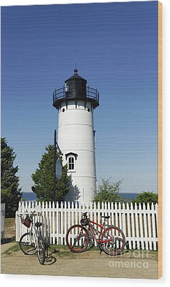 East Chop Lighthouse Wood Print by John Greim