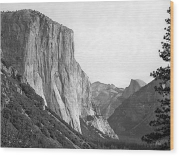 El Capitan Wood Print by Thomas Leon