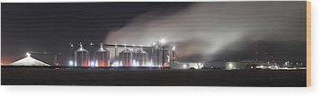 Ethanol Plant In Watertown Wood Print by Dung Ma