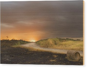Fire On The Horizon Wood Print