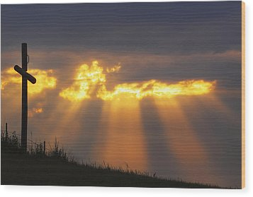 Wood Print featuring the photograph Glorious Sunrise by Rob Graham