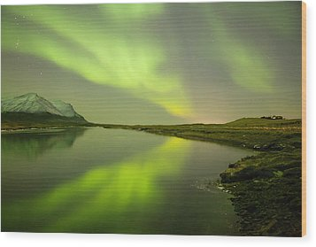 Green Reflection Wood Print by Thorir Bjorgvinsson