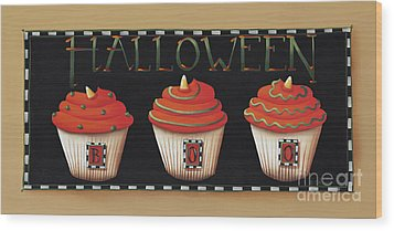 Halloween Cupcakes Wood Print by Catherine Holman