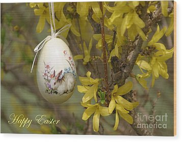 Happy Easter Wood Print by Living Color Photography Lorraine Lynch