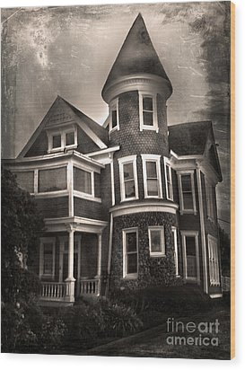 Haunted House Wood Print by Gregory Dyer