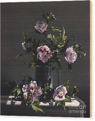 Hibiscus Wood Print by Larry Preston