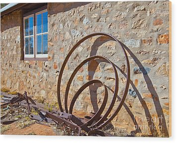 Historical Telegraph Station Alice Springs Wood Print by Bill  Robinson