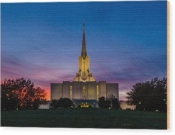 Jordan River Temple Sunset Wood Print by La Rae  Roberts