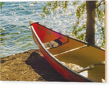 Kayak By The Water Wood Print by Alex Grichenko
