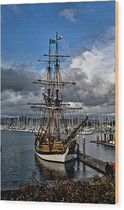 Wood Print featuring the photograph Lady Washington by Michael Gordon