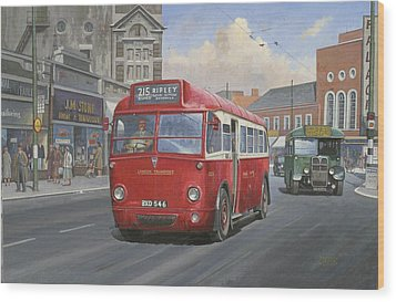 London Transport Q Type. Wood Print by Mike  Jeffries