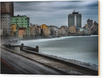 Malecon Wood Print by Patrick Boening