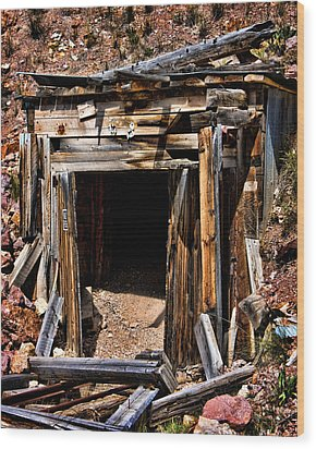 Midwest Mine Shaft Wood Print