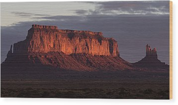 Monument Valley Sunrise Wood Print