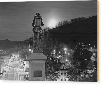 Moon Over Sylva 2004 Wood Print