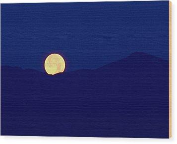 Moonset Wood Print by Rona Black
