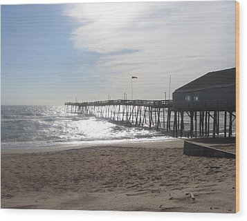 Nags Head Pier 2 Wood Print by Cathy Lindsey