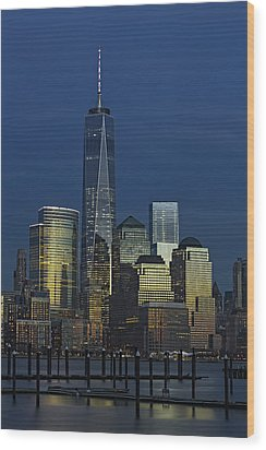 One World Trade Center At Twilight Wood Print by Susan Candelario