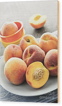 Peaches On Plate Wood Print by Elena Elisseeva