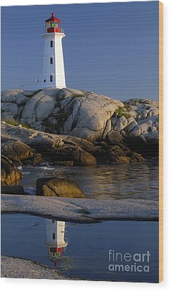 Peggy's Cove Lighthouse Wood Print by Norman Pogson