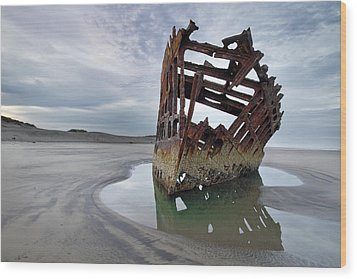 Peter Iredale At Dawn Wood Print by David Gn