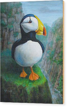 Portrait Of A Puffin Wood Print by Oz Freedgood