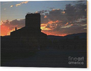 Puesta De Sol En El Castillo De Ainsa Wood Print