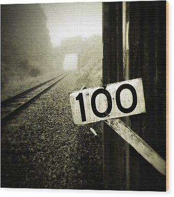 Railway  Wood Print by Les Cunliffe